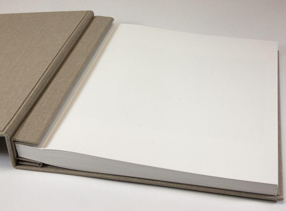 Intérieur du book